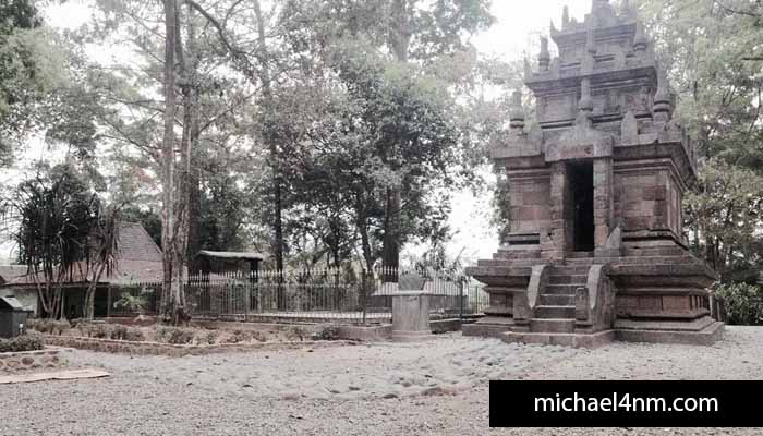 Historical nature tourism to the Lake and Temple of Cangkuang Garut